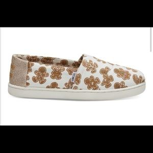 🎉2for$50🎉 Brand new, kid Toms Gingerbread shoes